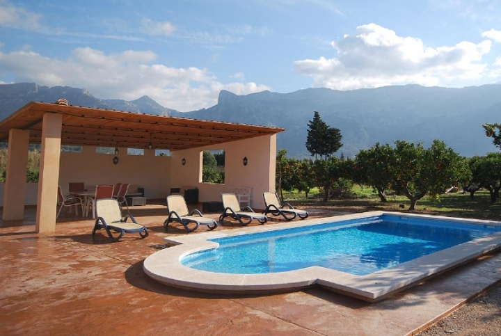 Preciosa y c moda casita de campo con piscina etv2730 for Www dreamhomes com