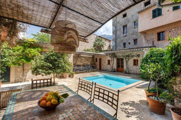 Céntrica Casa De Pueblo Con Terrazas Y Piscina En Sóller Reg Etv 10257 Mallorca Dream Homes